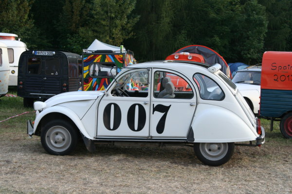 2CV Sondermodell James Bond 007