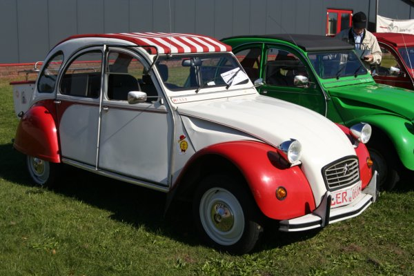 2CV Dolly Rot Weiß