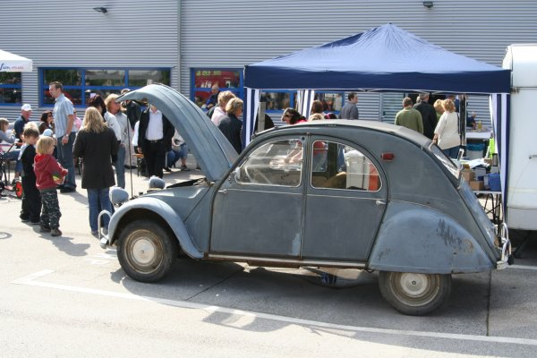 2CV unrestaurierter Oldtimer